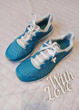 Фирменные спортивные кроссовки fila 40 размер