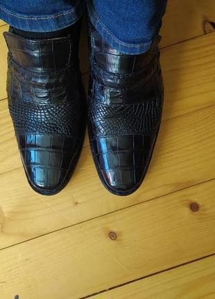 Туфлі чоловічі зі шкіри крокодила.