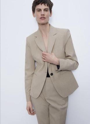 Zara новый бежевый фактурный костюм