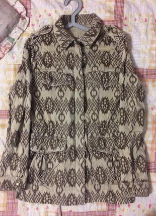 Бомбезная весенняя/осенняя куртка-парка pull&bear цвета хаки