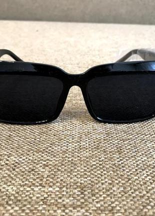 Новые солнцезащитные очки в чёрном цвете