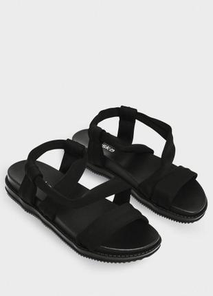 Черные спортивные сандалии braska