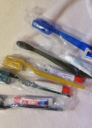 Дорожный набор: зубная паста и щётка