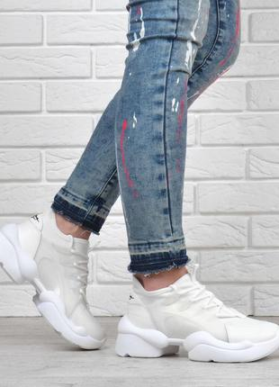 Базовые женские кроссовки текстильные laguna белые силиконовый каркас