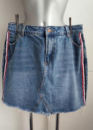 Джинсовая юбка new look  с лампасами