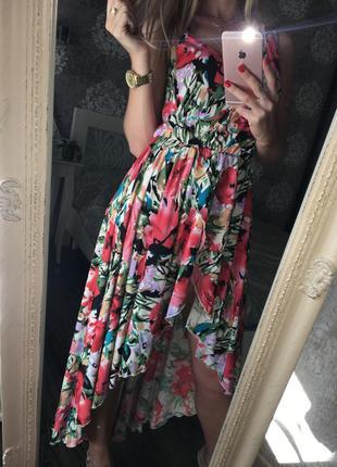 Очень красивое платье в цветы