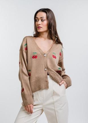 Короткий вязаный кардиган кофта с вышивкой оверсайз oversize