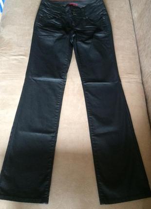 Привлекательные брюки от известного французского бренда ( оригинал  )