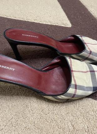 Женские оригинальные туфли burberry