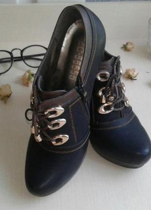Черные туфли на шнуровке стелька 25 устойчивый каблук
