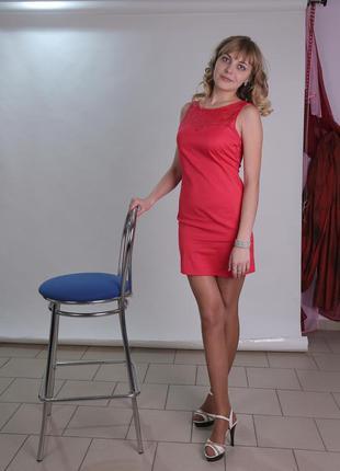 Милое розовое платье с элементами гипюра