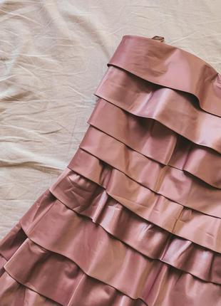 Красива коктейльна сукня