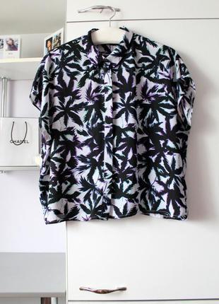 Легенькая блузочка в пальмы от f&f
