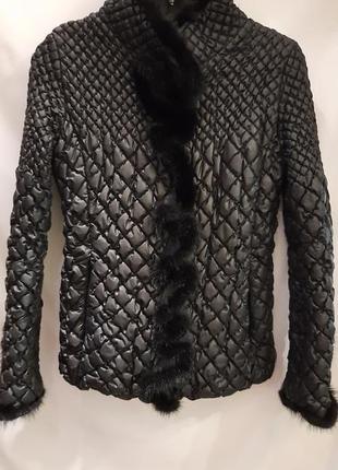 Куртка женская с меховой вставкой