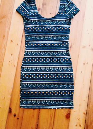 Платье с этническим узором