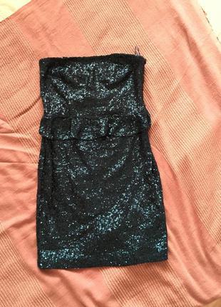 Темно-синее платье в паетках