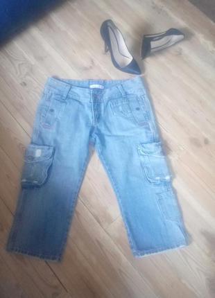 Классные модные джинсовые бриджи quiz.