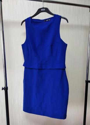 Сдержанное классическое деловое платье цвета электрик mango