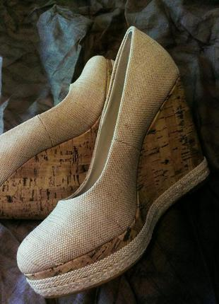 Туфли на танкетке new look