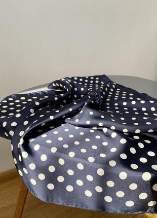 Шёлковый платок в горошек