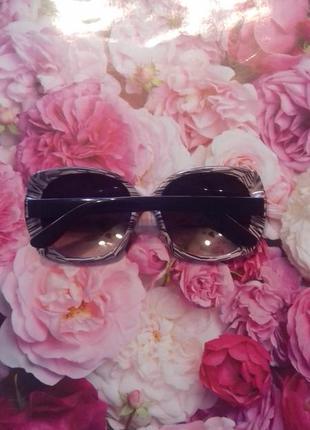 Очки  ( окуляри )