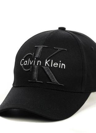 Чорна бейсболка calvin klein