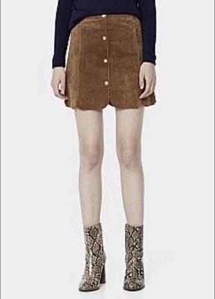 Кожаная замшевая юбка на кнопках цвета кемел