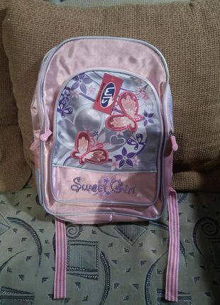 Новый,с бирками красивый,рюкзак-ранец