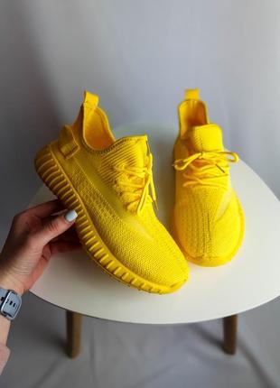 Кроссовки жёлтые текстиль очень удобные подойдут для спорта