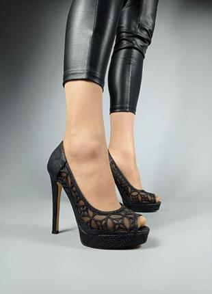Босоножки 282 черные на каблуке открытый носок