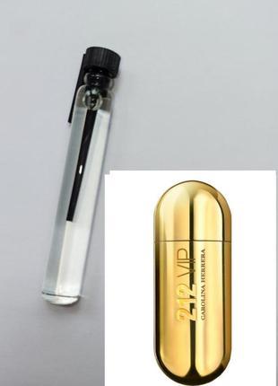Очень стойкий парфюм мини духи carolina herrera 212 vip