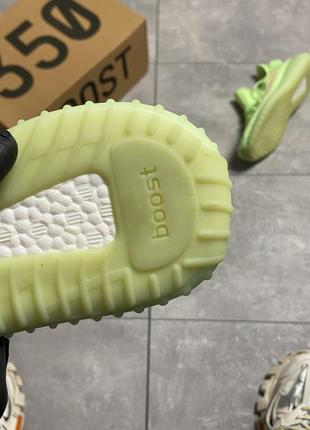 Шикарные кроссовки adidas yeezy v2 350 glow in dark2 фото
