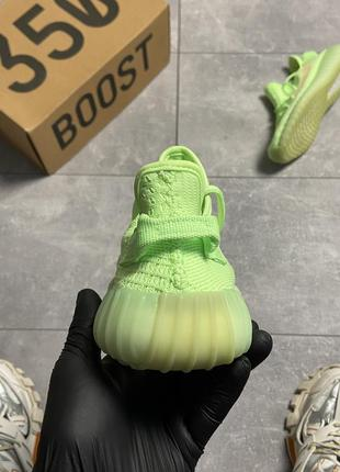 Шикарные кроссовки adidas yeezy v2 350 glow in dark5 фото