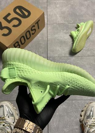Шикарные кроссовки adidas yeezy v2 350 glow in dark4 фото