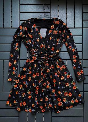 Весеннее платье из вискозы с цветочным принтом