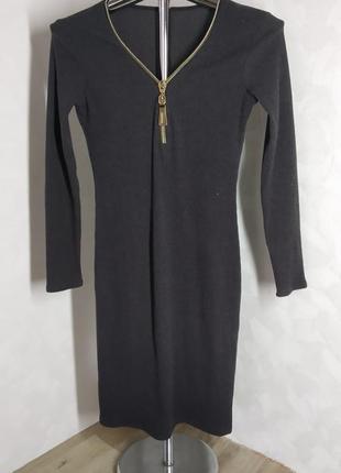 Платье в рубчик с молнией