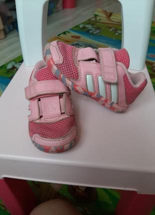 Кроссовки adidas 22р, летние легкие кроссовки