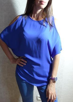Блуза реглан с вырезами на плечах