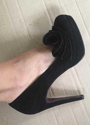 Новые турецкие кожаные туфли
