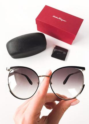 Оригинальные солнцезащитные очки от salvatore ferragamo , оригінальні сонцезахисні окуляри