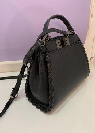 Чёрная сумка fendi кожа