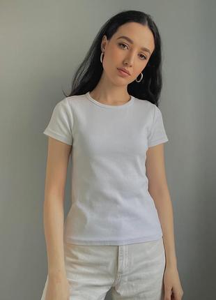 Белая плотная футболка в рубчик2 фото