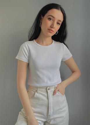 Белая плотная футболка в рубчик3 фото