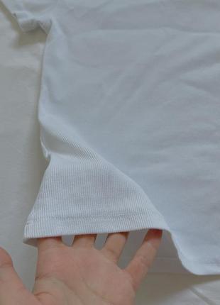 Белая плотная футболка в рубчик8 фото