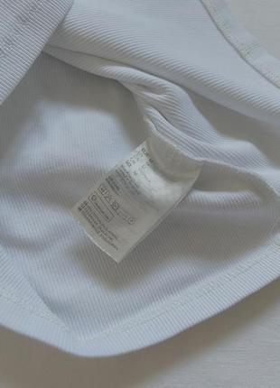 Белая плотная футболка в рубчик5 фото