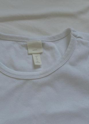 Белая плотная футболка в рубчик6 фото