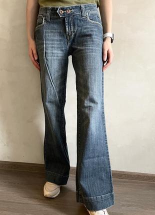 Джинсы джинси клеш