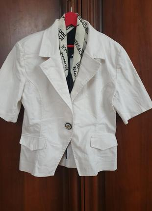 Пиджак 38-40 с платком в стиле versace