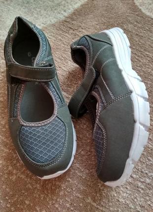 Мокасини кросівки кроссовки тапочки балетки