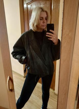 Черная винтажная косуха стиль 80-х